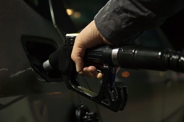 «Заявление минэнерго — это пиар для того, чтобы компании могли повысить цену на топливо