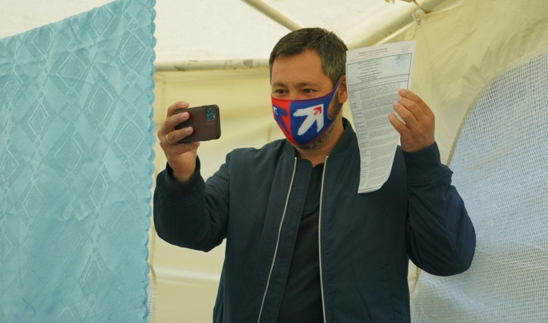 Олег Коробченко проголосовал на выборах президента Татарстана и депутатов муниципальных образований