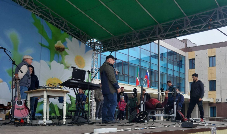 «Народный жим»: «Партия Роста» организовала в Менделеевске соревнования по пауэрлифтингу