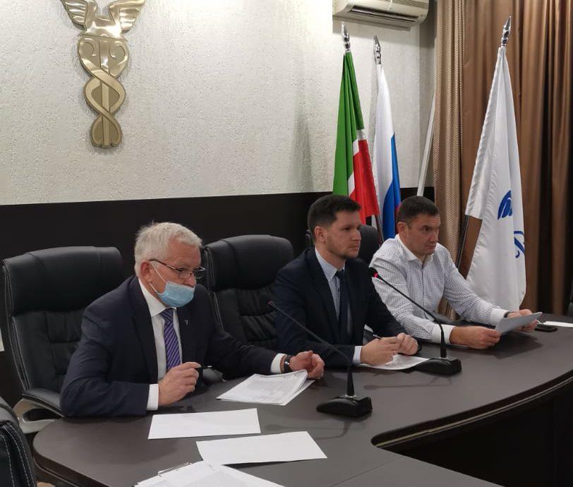 Члены политсовета Партии Роста вступились за бизнес и попросили поддержки Фарида Абдулганиева