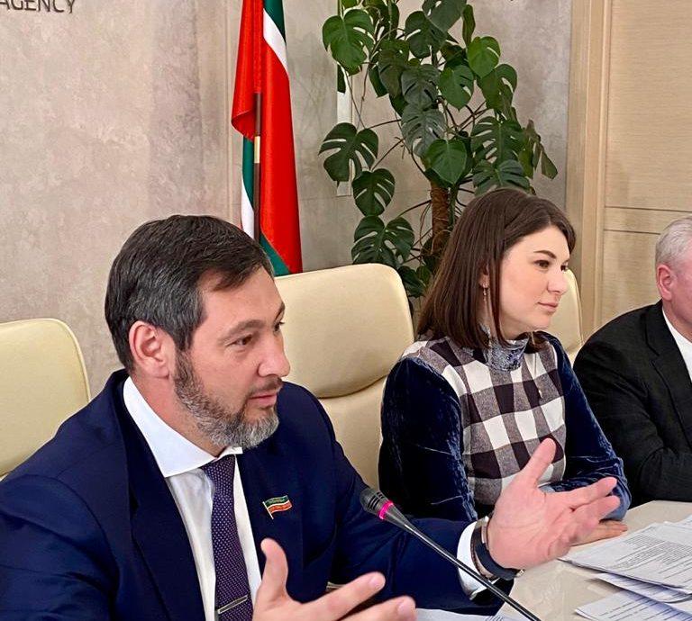 Олег Коробченко предложил модернизировать сельхозавтопарк в Татарстане через софинансирование капремонта